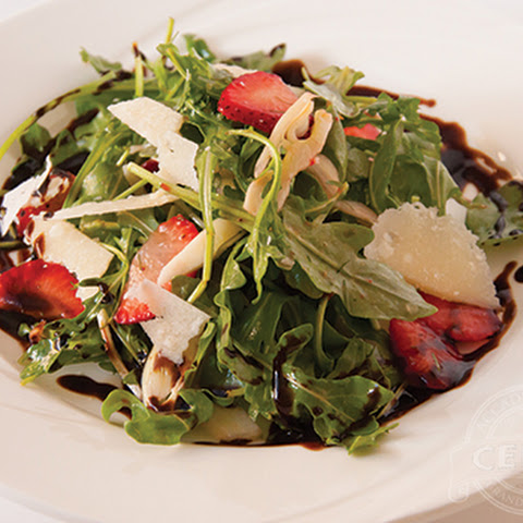 Strawberry Arugula Salad with Balsamic Glaze