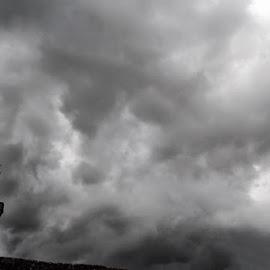 ...fermatevi nuvole(EOS 350D) by Domenico Liuzzi - Landscapes Cloud Formations