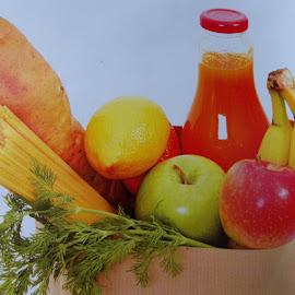 6+ by Georgi Kolev - Food & Drink Fruits & Vegetables ( храна., сок., банани., лимон., ябълки. )