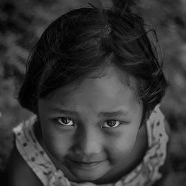 Marsya by Firmansyah Goma - Babies & Children Child Portraits ( bw, marsya, kids )