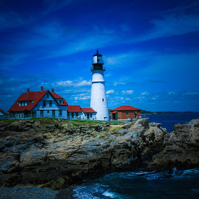 Portland Head Lighthouse by Dan Carroll - Landscapes Waterscapes ( lighthouse maine tide summer vacation )