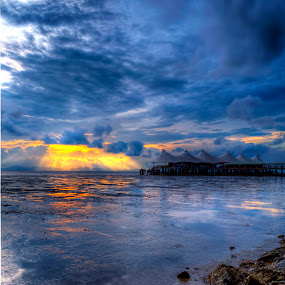 Ray Of Sunset by Nadzli Azlan - Landscapes Waterscapes
