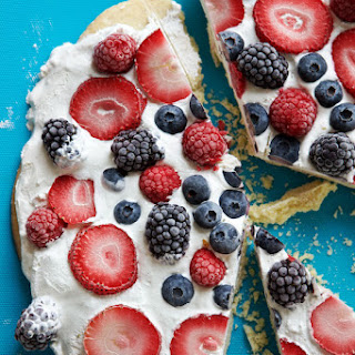 July 4th Berry Dessert Pizza