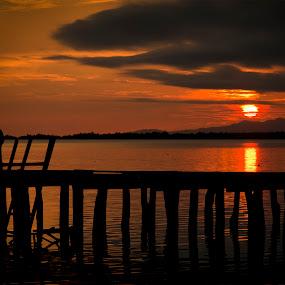 Senja di Torosiaje by Suwito Pomalingo - Landscapes Sunsets & Sunrises ( torosiaje, gorontalo )