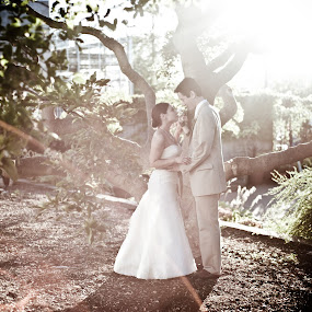 by Elizabeth Craig - Wedding Bride & Groom
