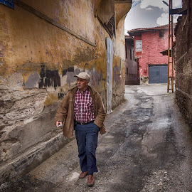 Old Kula by Murat Besbudak - City,  Street & Park  Street Scenes ( kula manisa, kula evleri )