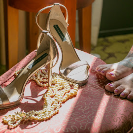 Pearls and Pumps by Tanja Nixx - Wedding Getting Ready ( weddings photography, wedding photography, wedding, wedding details )
