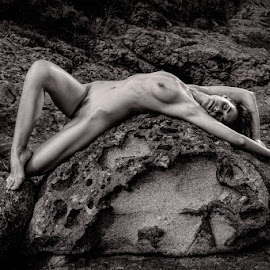 She by Todor Lichev - Nudes & Boudoir Artistic Nude ( nude, girl, black and white, beauty, rocks )