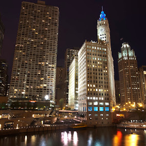 Chicago River and buildings by Cristobal Garciaferro Rubio - Buildings & Architecture Office Buildings & Hotels ( water, reflections, chicago, night shot, usa, river, city )