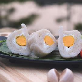 pempek telur bebek by Haikal Wardansyah - Food & Drink Plated Food