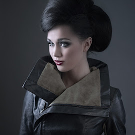 Mystified by Jeremy Brown - People Fashion ( fashion, lighting, beautiful, lauren stopher, professional )