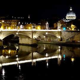 Ponte sul Tevere di notte by Patrizia Emiliani - City,  Street & Park  Night ( notte, roma, fiume, ponte, italia, luci )