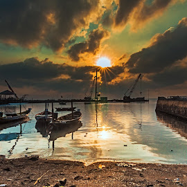 Sunday Morning by Surya Forty-Six - Transportation Boats