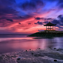 Sunrise Sky by Ina Herliana Koswara - Landscapes Cloud Formations ( sky, sanur, beach, sunrise, morning )