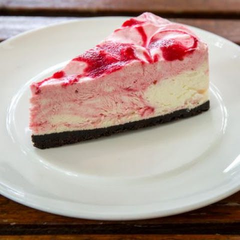 Strawberry Milk Oreo Cookie Crust Cheesecake