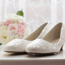 wedding shoes and bouquet by Emma Thompson - Wedding Details ( shoes, bouquet, wedding photography, wedding, wedding details )