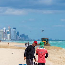 The Kiteboarding leasson.  by Jose Reyes - Landscapes Beaches ( sand, miami, beach, sun, kiteboarding )