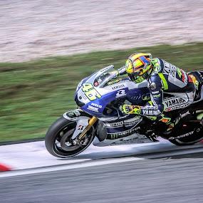 Valentino Rossi by Zakaria Sahli - Sports & Fitness Motorsports ( motogp, zakaria sahli, yamaha, valentino rossi, 46, sports, photography )