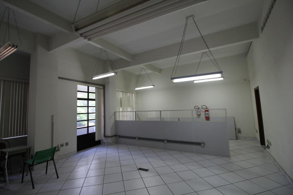 Casa em condomínio à Venda - Santa Cecília