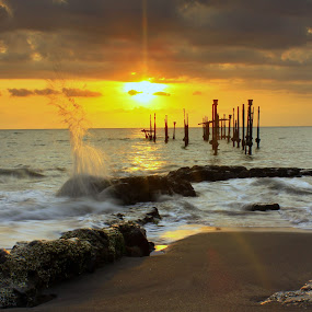 Sunset Splash by Dede GreenHolic - Landscapes Weather ( landscape )