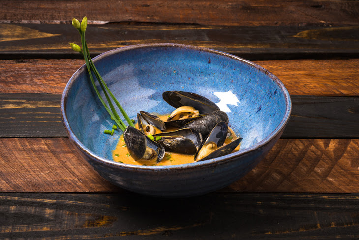 Sake Steamed Mussels in a Thai Red Curry Sauce Recipe | Yummly