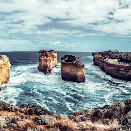 Port Campbell by Nguyen Thanh Cong - Landscapes Travel ( port campbell, great ocean road, thanhcong7855@gmail.com, congdolce@gmail.com, nguyen thanh cong, waterscape, australia, vietnamese, vietnam, travel, landscapes )