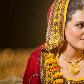 That look by Kshitij Bhaswar - Wedding Bride ( wedding photography, bridal, candid shot, wedding, hindu bride, bride, indian bride )