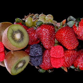 kiwi,strawbery and candys by LADOCKi Elvira - Food & Drink Fruits & Vegetables ( fruits )