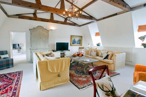2 BR Upper Garden Suite