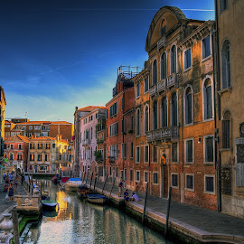 Venice by Hraunið      Hekla - City,  Street & Park  Street Scenes ( venice, canal, italy )