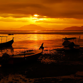Perahu by Nasaruddin Naseh - Landscapes Waterscapes