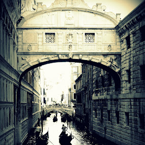 Bridge of Sigh by Dhannya Jacob - Buildings & Architecture Bridges & Suspended Structures ( black and white, boats, venice, bridges, italy, canal, pwcbridges )