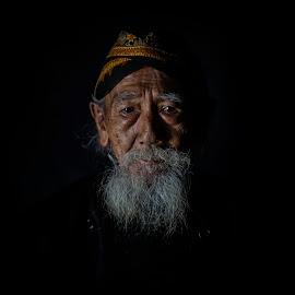 grand-père by Indrawan Ekomurtomo - People Portraits of Men