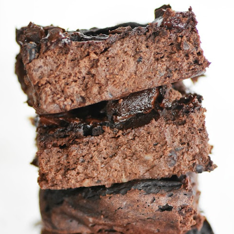 Flourless Black Bean Avocado Brownies