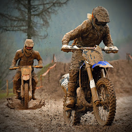 Breathtaking Chase by Marco Bertamé - Sports & Fitness Motorsports ( follower, rainy, chasing, chase, race, mud, bike, motocross, leader, pursiut, clumps, motorcycle, competition,  )