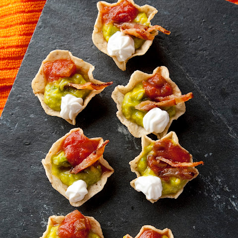 Game Day Bacon and Tomato Guacamole Appetizer