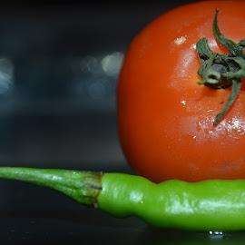 Chilli Tomatos by Piyush Arora - Food & Drink Fruits & Vegetables ( macro, vegetables, chilli, tomatoe )