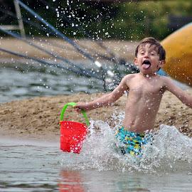 I'm coming.... by Paula Guerra - Babies & Children Children Candids ( child, candids, funny, summer fun, beach, fun, playtime )