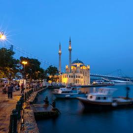 Ortaköy by Veli Toluay - City,  Street & Park  Night ( prü, istanbul boğazı, istanbul )