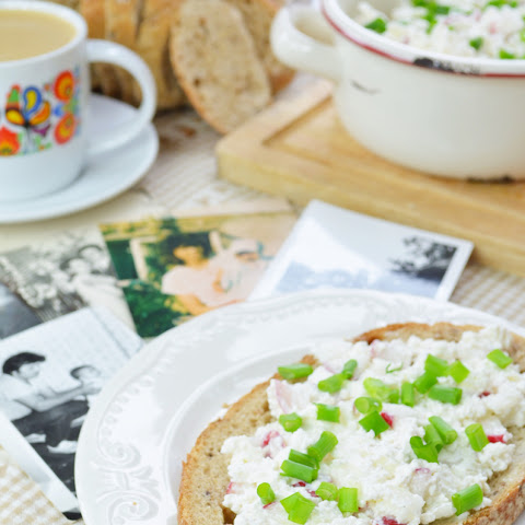 Polish Cottage Cheese With Radish (polish Sandwich Spread)