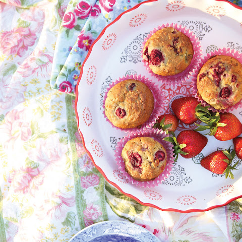 Healthy Raspberry Lemon Muffins