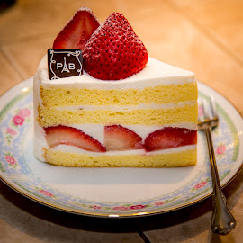 Strawberry cake by Cary Chu - Food & Drink Cooking & Baking