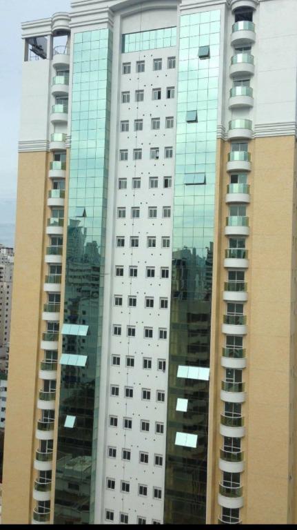 Apartamento com 3 dormitórios, sendo 3 suites, 146 m² -  aluguel por R$ 3.800/mes - Centro - Balneário Camboriú/SC