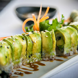 Caterpillar roll by Cary Chu - Food & Drink Plated Food