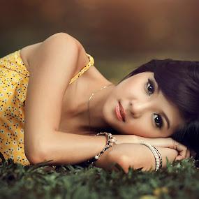 Lisa by Ivan Lee - People Portraits of Women ( canon, model, girl, nature, beauty )