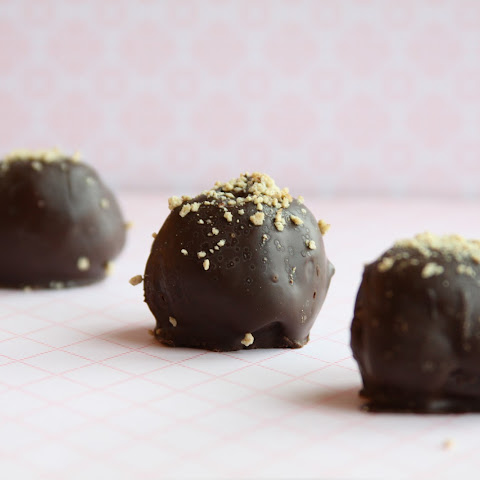 Oatmeal Chocolate Chip Cookie Truffles
