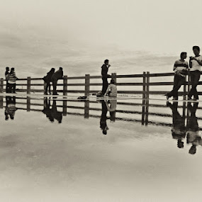 Hangin' Out by Mario Wibowo - News & Events World Events ( reflection, ancol, mario wibowo, jakarta, fotorio )