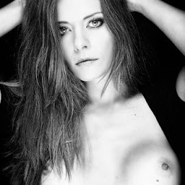 by Derek Smith - Nudes & Boudoir Artistic Nude