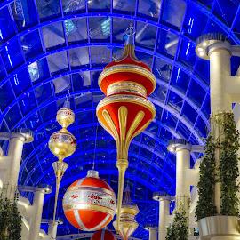 Plus city decoration xmas 16 by Michel Andries - Buildings & Architecture Other Interior ( big blue, linz, decoration, commercial center, austria )