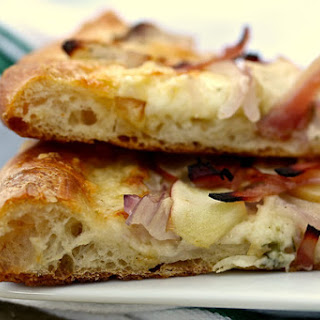 Apple and Ham Pizza